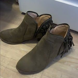 Shoes - Vegan fringe booties with zipper 9